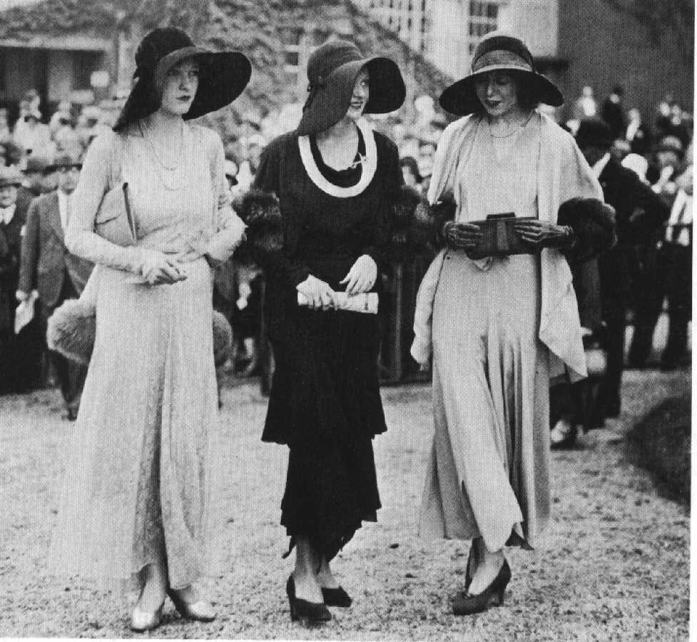 A Vogue for Simplicity: Fashion in the 1930's